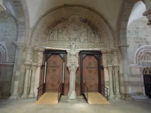 Le tympan de la basilique Ste Marie Madeleine